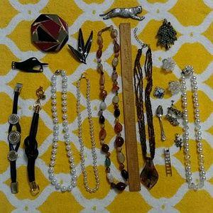Jewelry - LOT of 17 Costume Jewelry